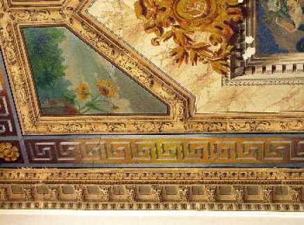 Plafon na klatce schodowej przy ul. Kopernika